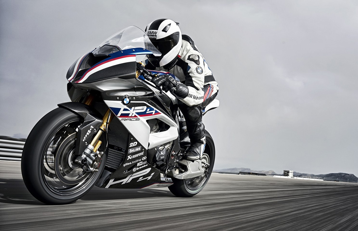 BMW patentó un chasis-basculante de fibra de carbono