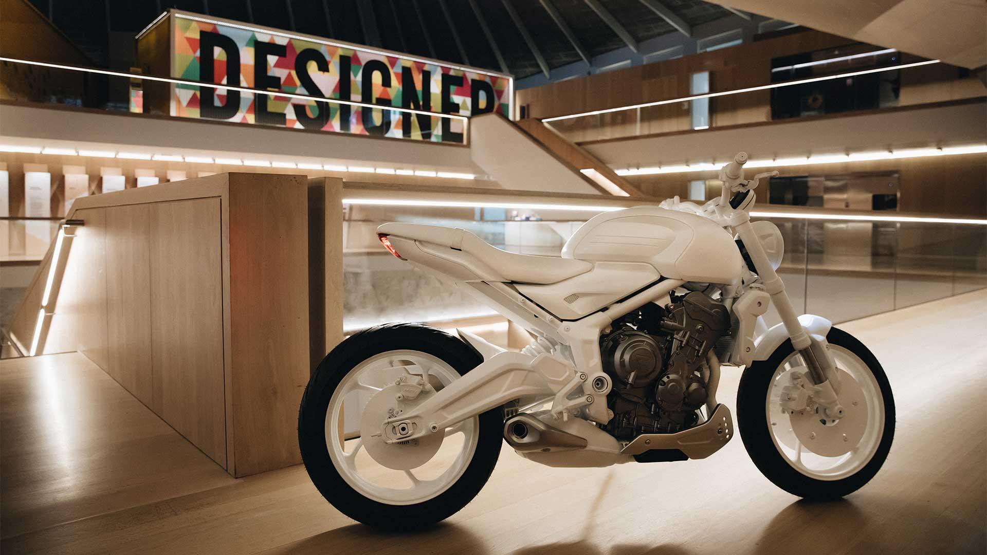 Triumph Trident 2021 (5)