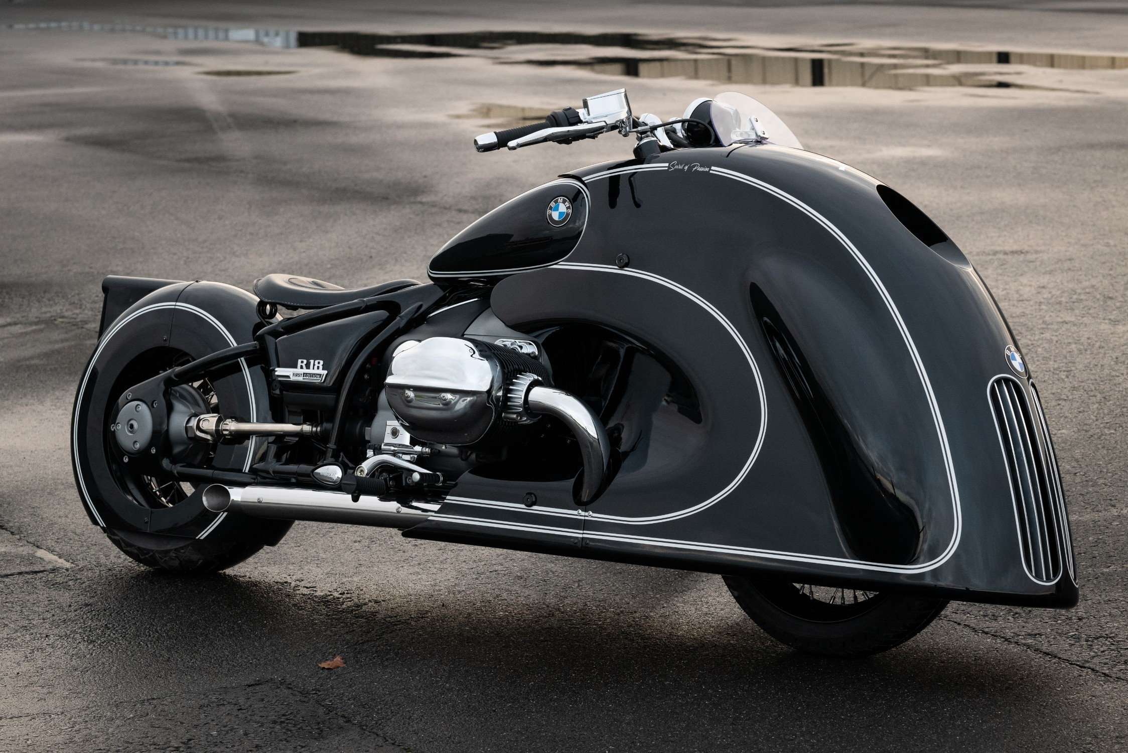 """BMW R 18 Custom Bike: diseño futurista para la segunda entrega de la serie """"SoulFuel"""""""