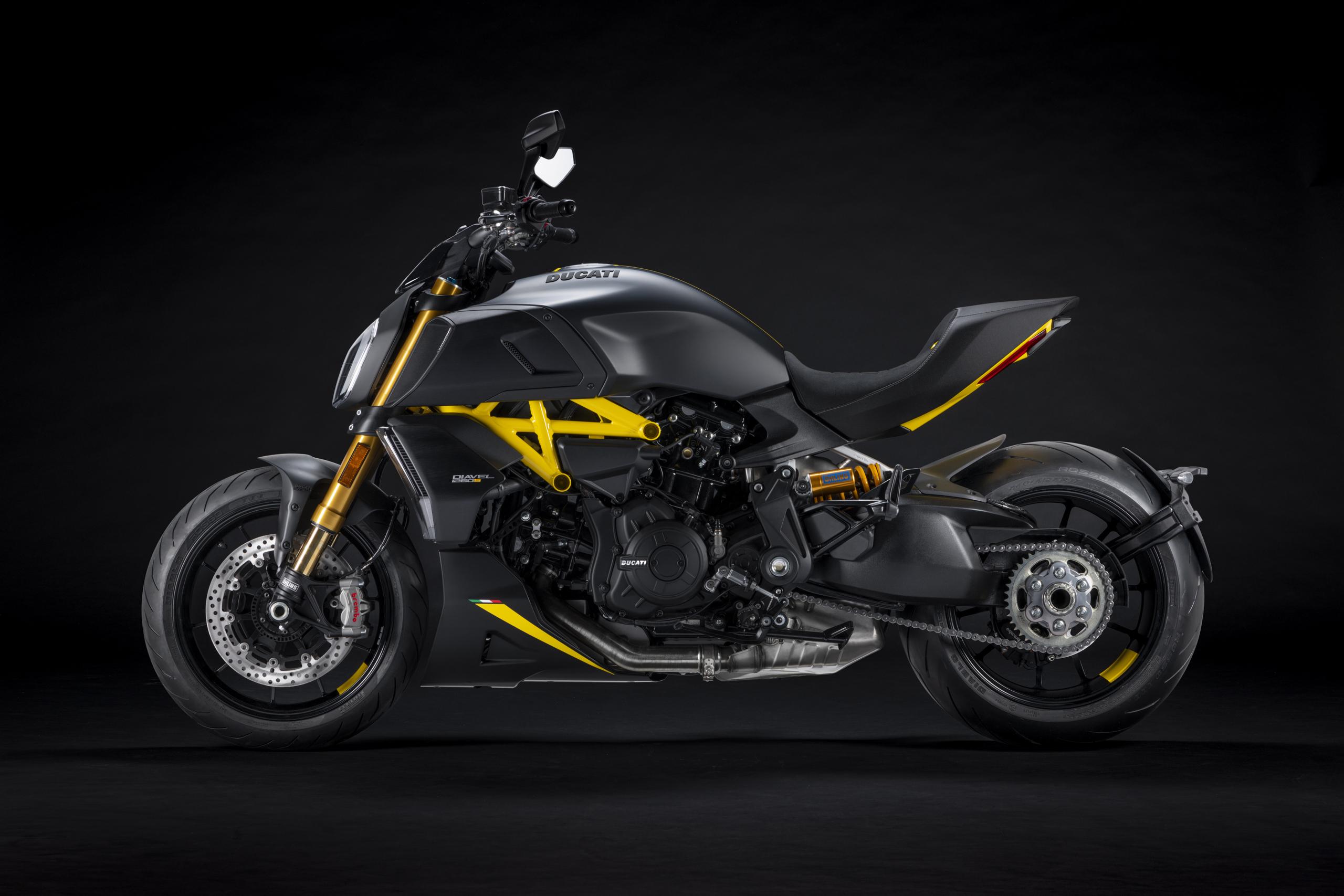 "Nueva Ducati Diavel 1260 S ""Black and Steel"""